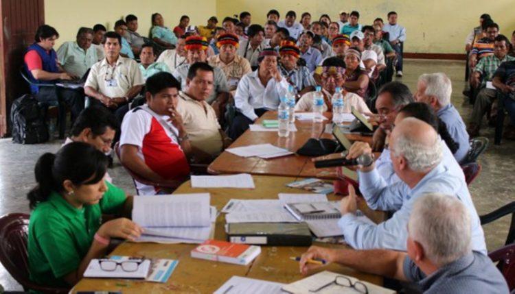 Zonificación forestal y concesiones ilegales amenazan pueblos en aislamiento