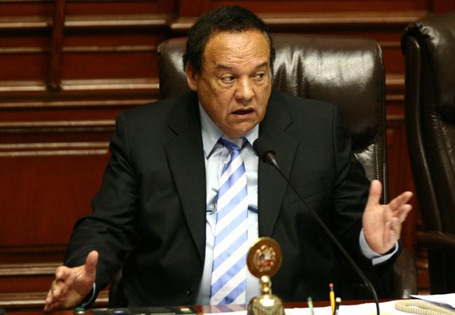 Luis Alva Castro recibió dinero de Odebrecht para la campaña del Apra, según IDL-Reporteros