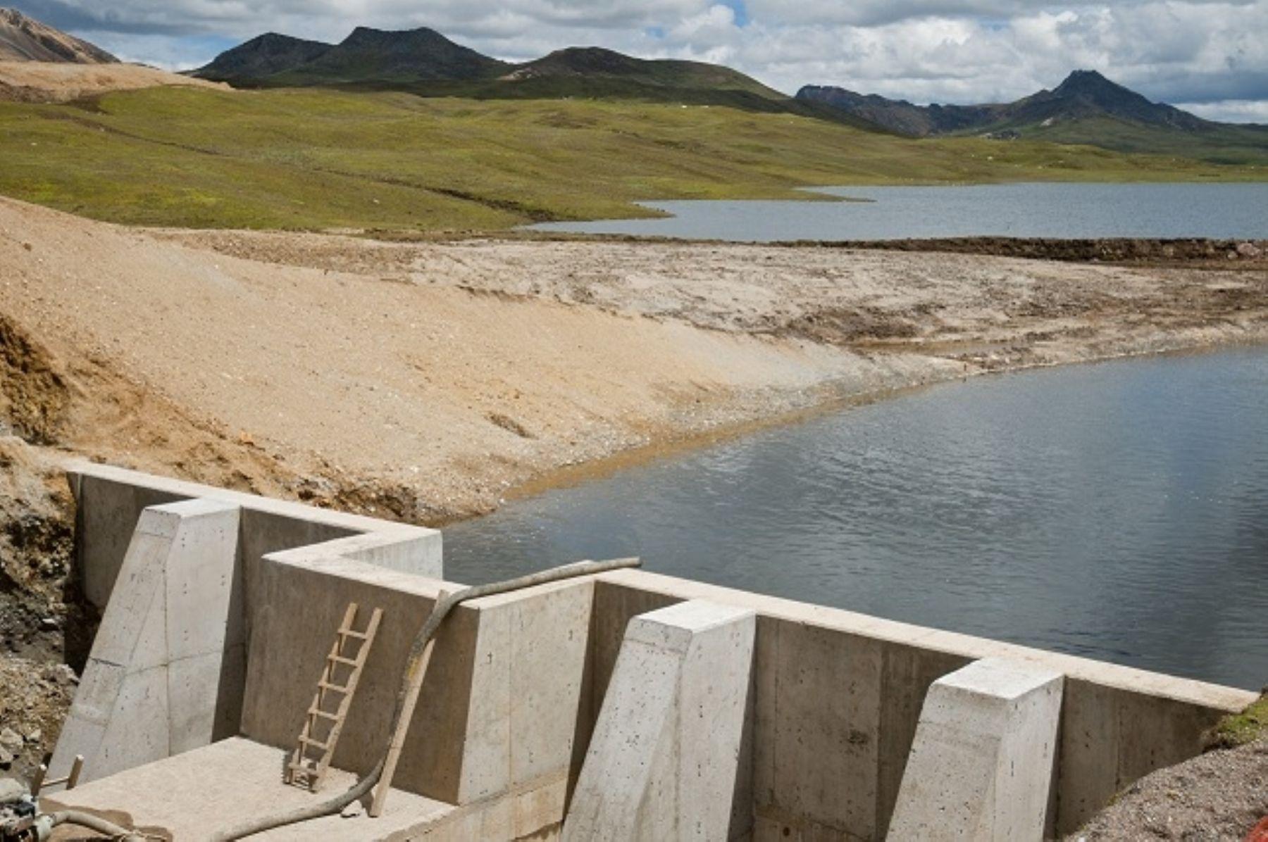 Proyecto minero amenaza con contaminar el agua de Lima