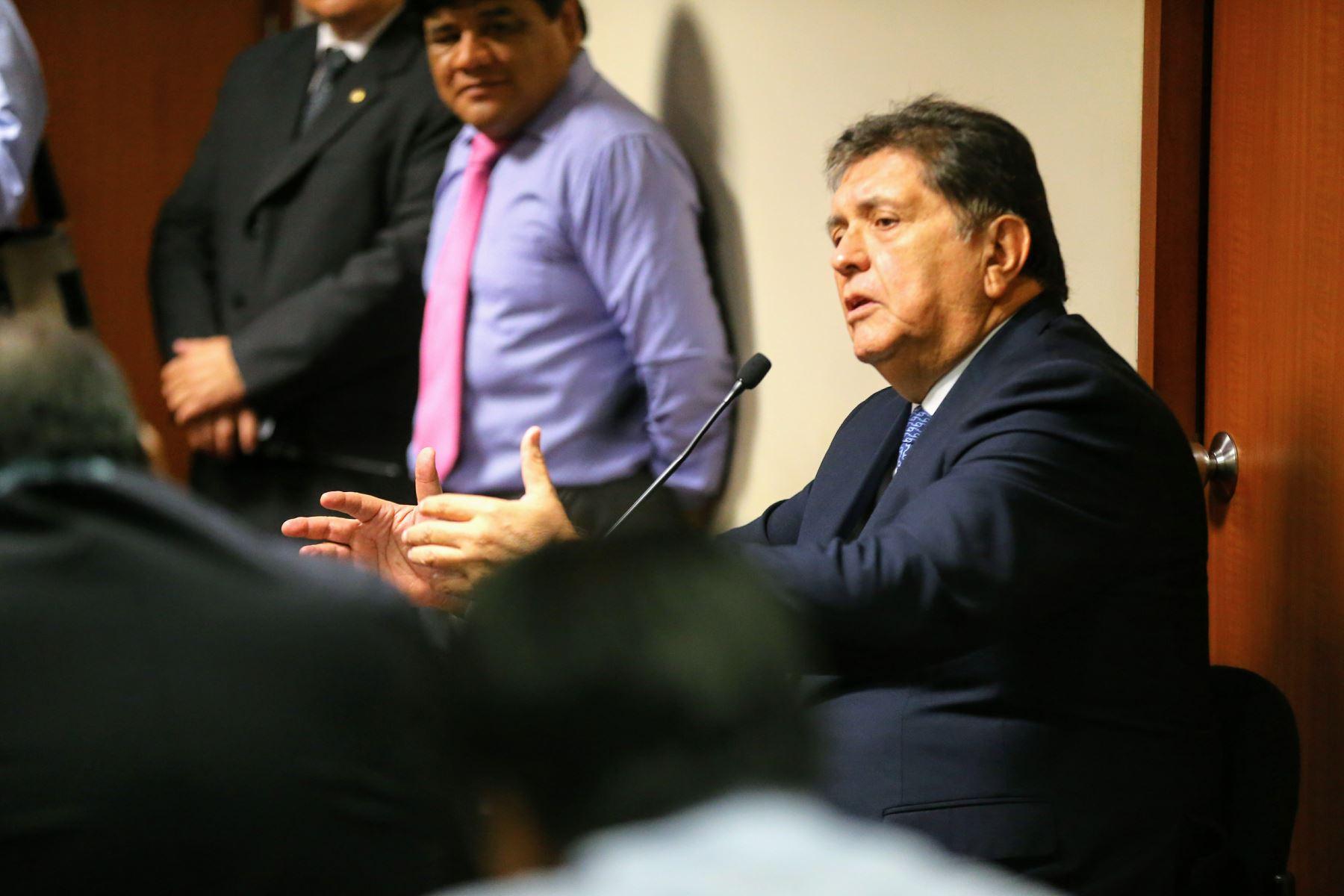 Atala confesó ante Fiscalía que actuó como testaferro de Alan García, según IDL (Andina)