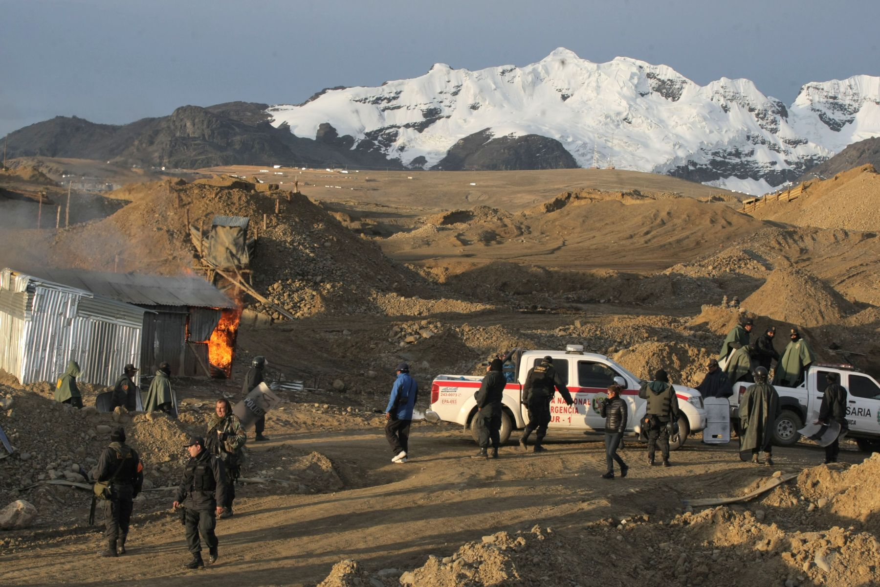 Habrá litigio constitucional contra convenios entre mineras y la Policía
