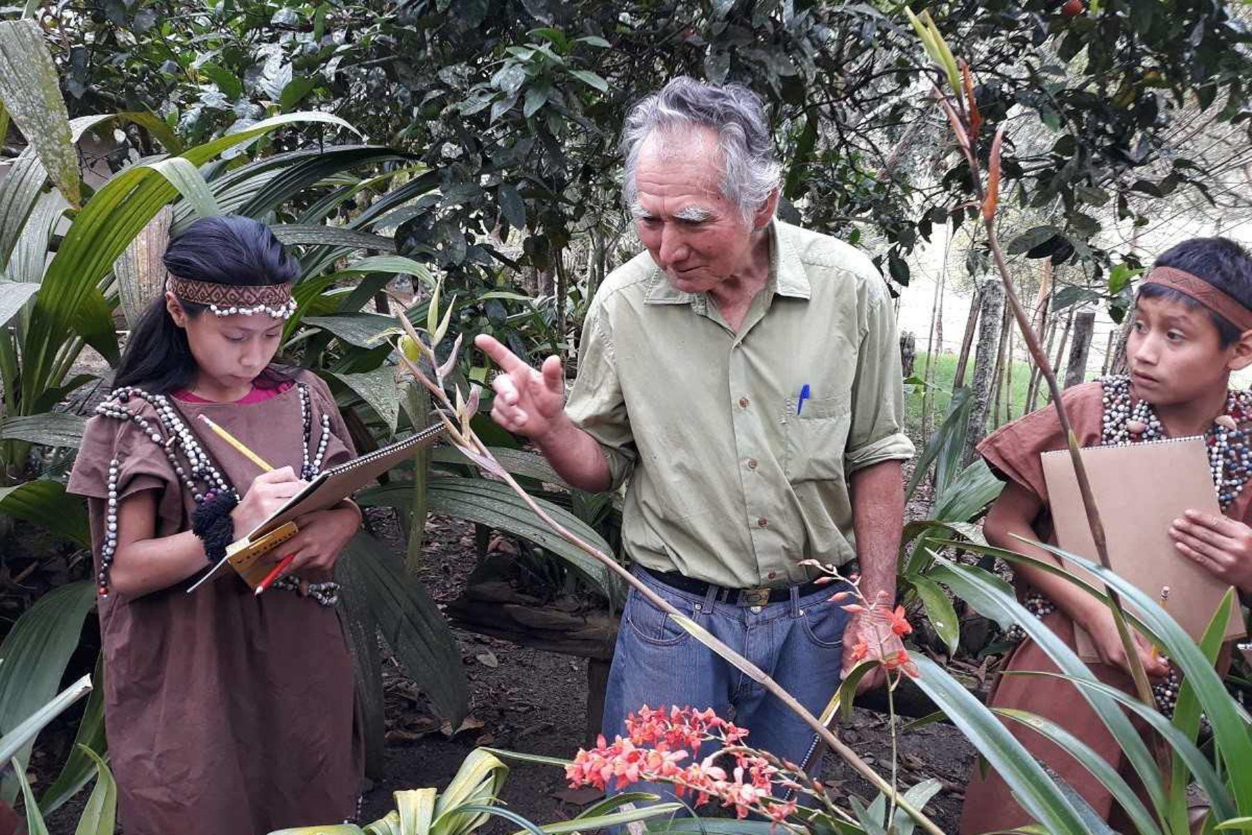 Entregan títulos de propiedad a invasores en territorio asháninca de Oxapampa