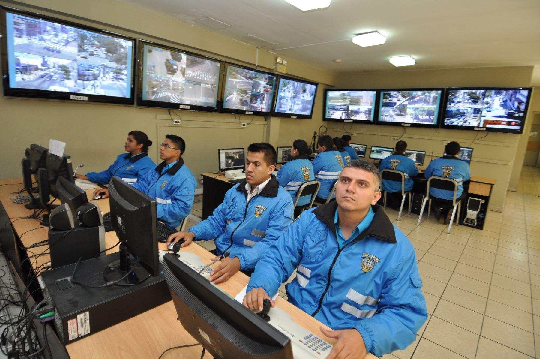 Cámaras de videovigilancia deben estar conectadas a central policial
