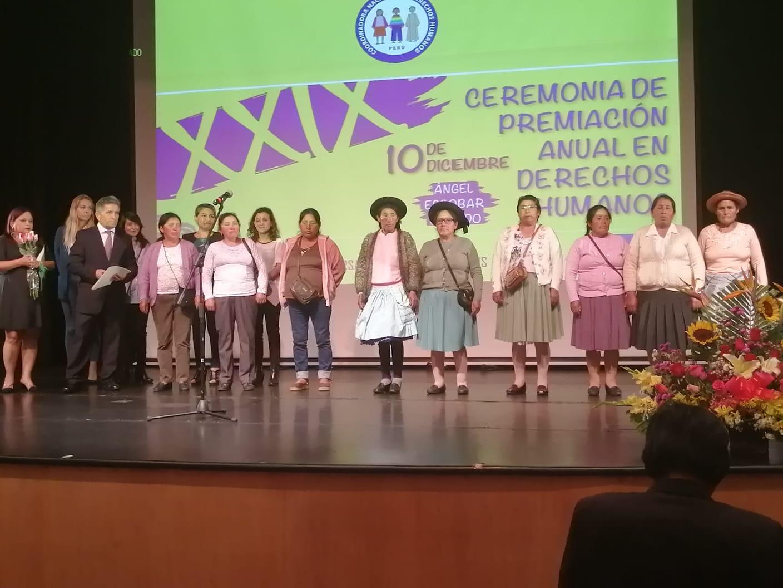 Mujeres de Manta y Vilca recibieron premio anual de la Coordinadora Nacional de Derechos Humanos