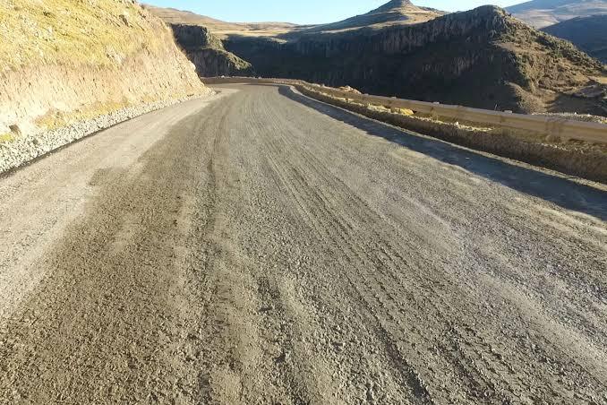 Decreto de urgencia expropia tierras para favorecer corredor vial de Cusco y Apurímac