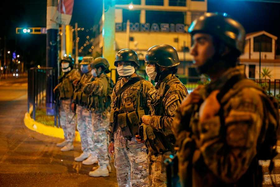 Seis apuntes sobre el uso de la fuerza militar en estados de emergencia