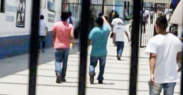 ONG peruana cree que medidas tardías en cárceles dejan más de 700 presos con covid-19 (ElPaís.cr)