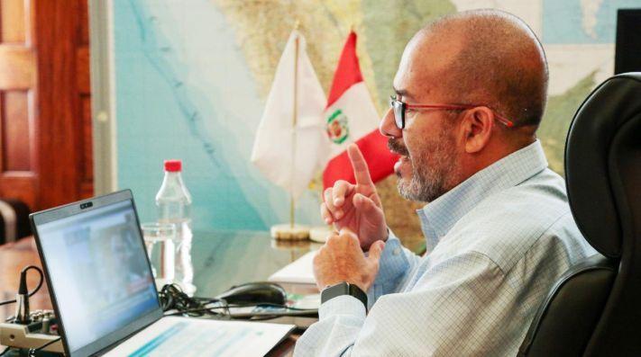 Ministro de Salud responde a IDL Reporteros y explica conteo de fallecidos por COVID-19 (ATV.pe)